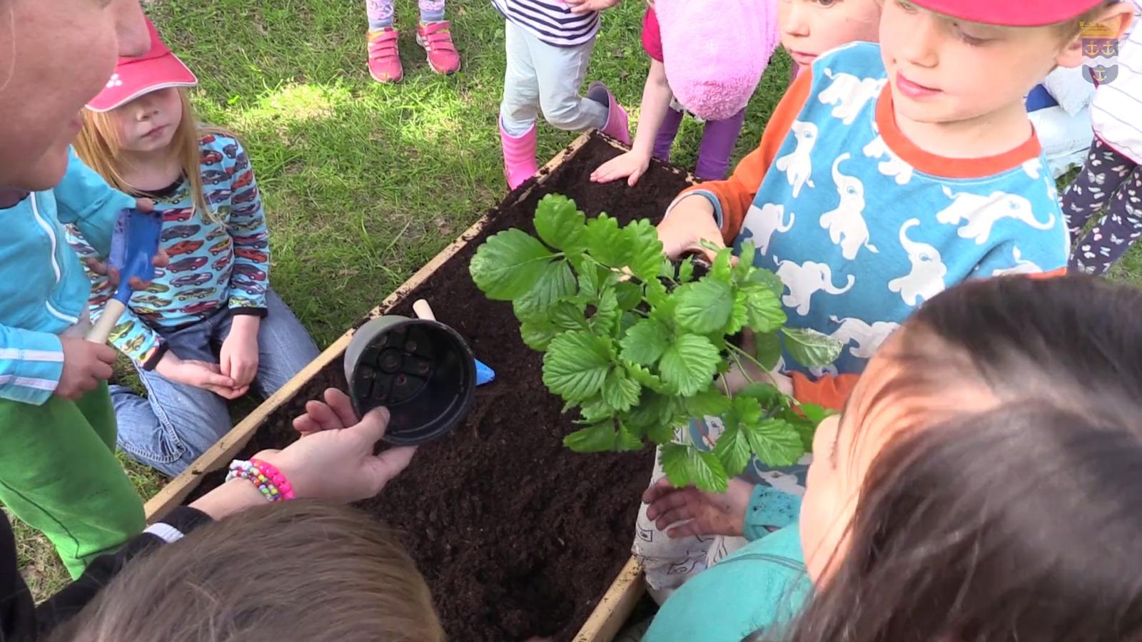 Åbyggeby förskola i trädgården