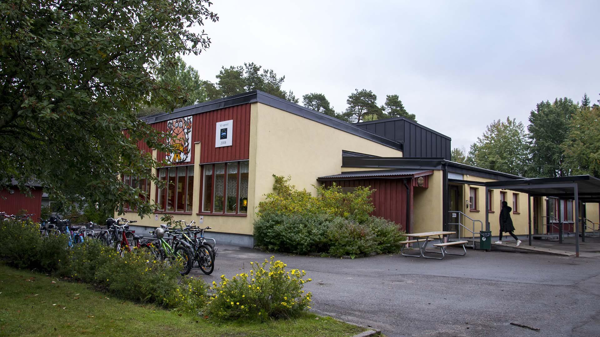 Fridhemsskolan från utsidan
