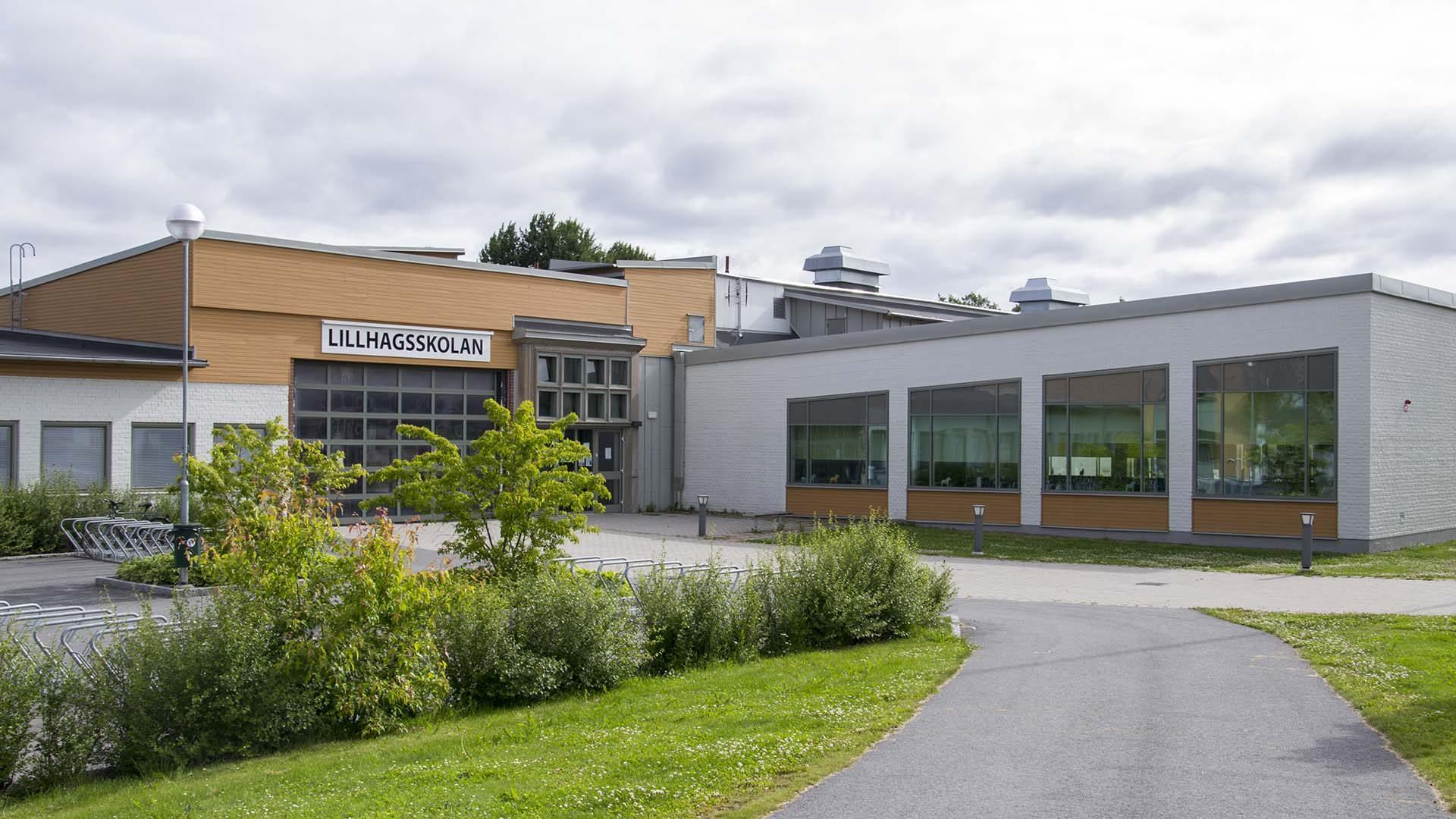 Lillhagsskolan från utsidan