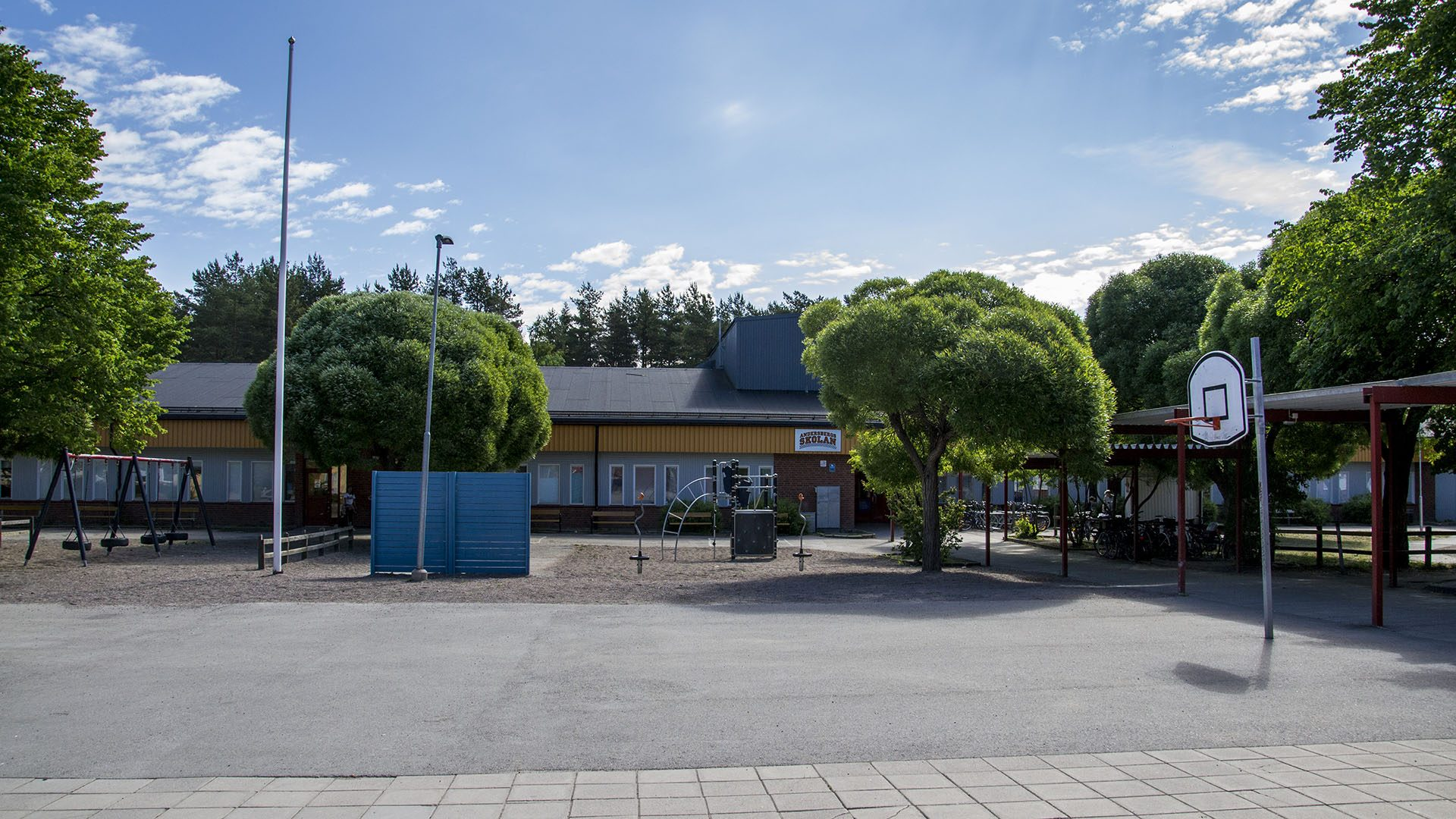 Exteriörbild på Andersbergsskolan