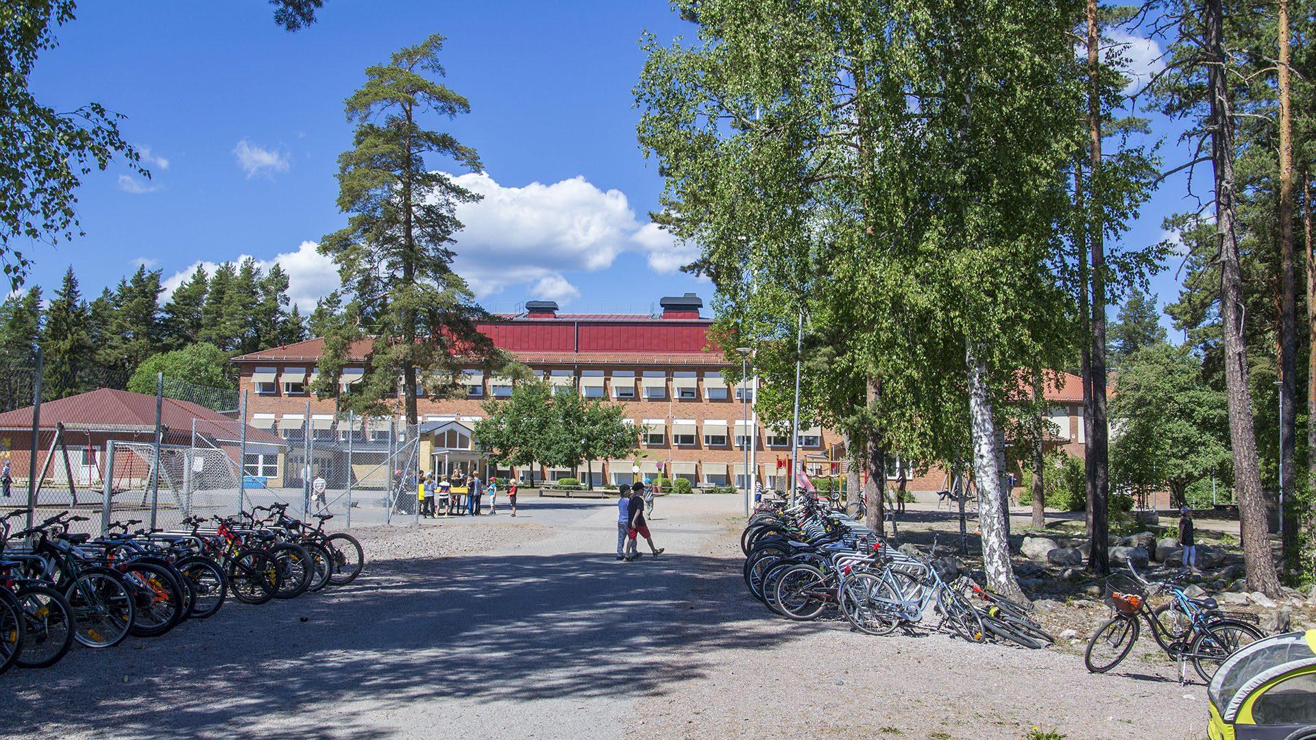 Exteriörbild på Hagaströms skola