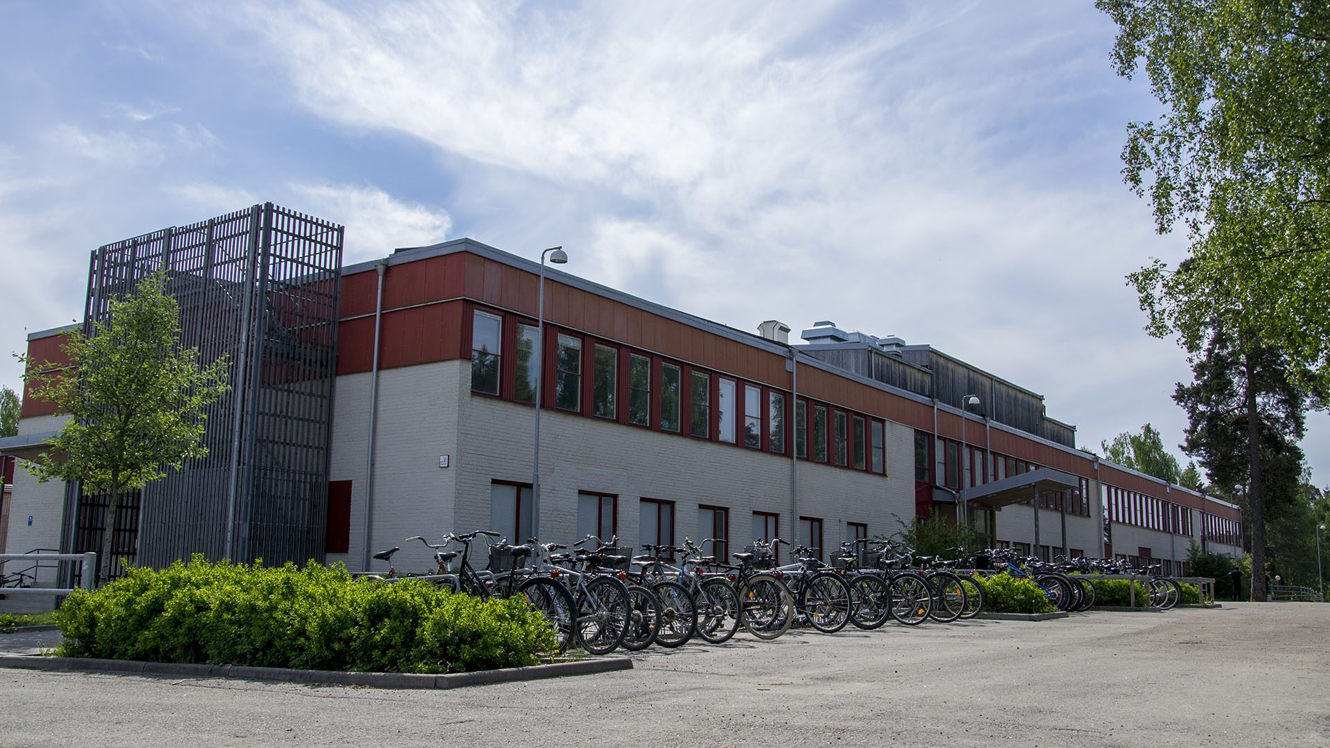 Exteriörbild på Stora Sätraskolan