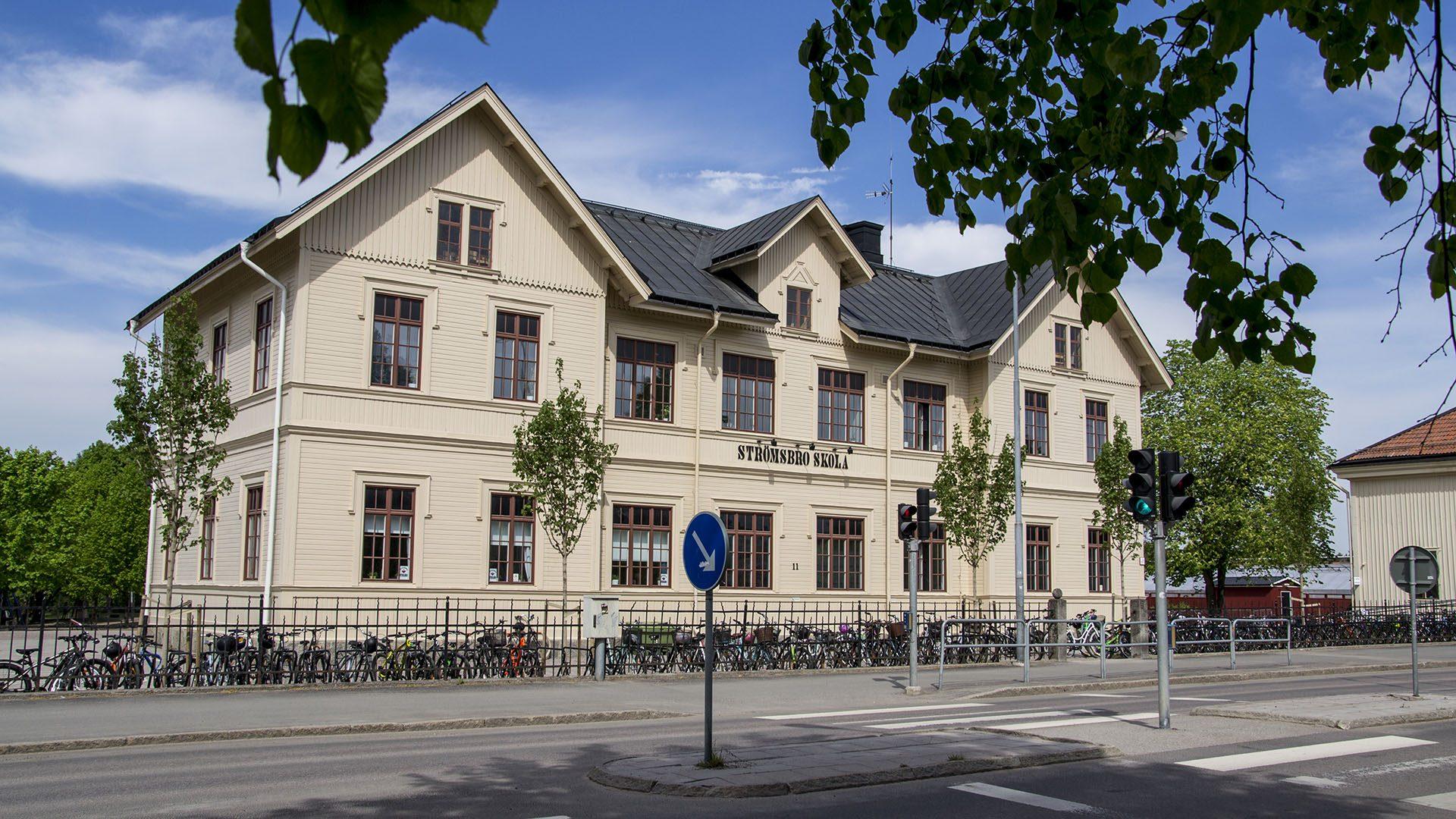 Exteriörbild på Strömsbro skola