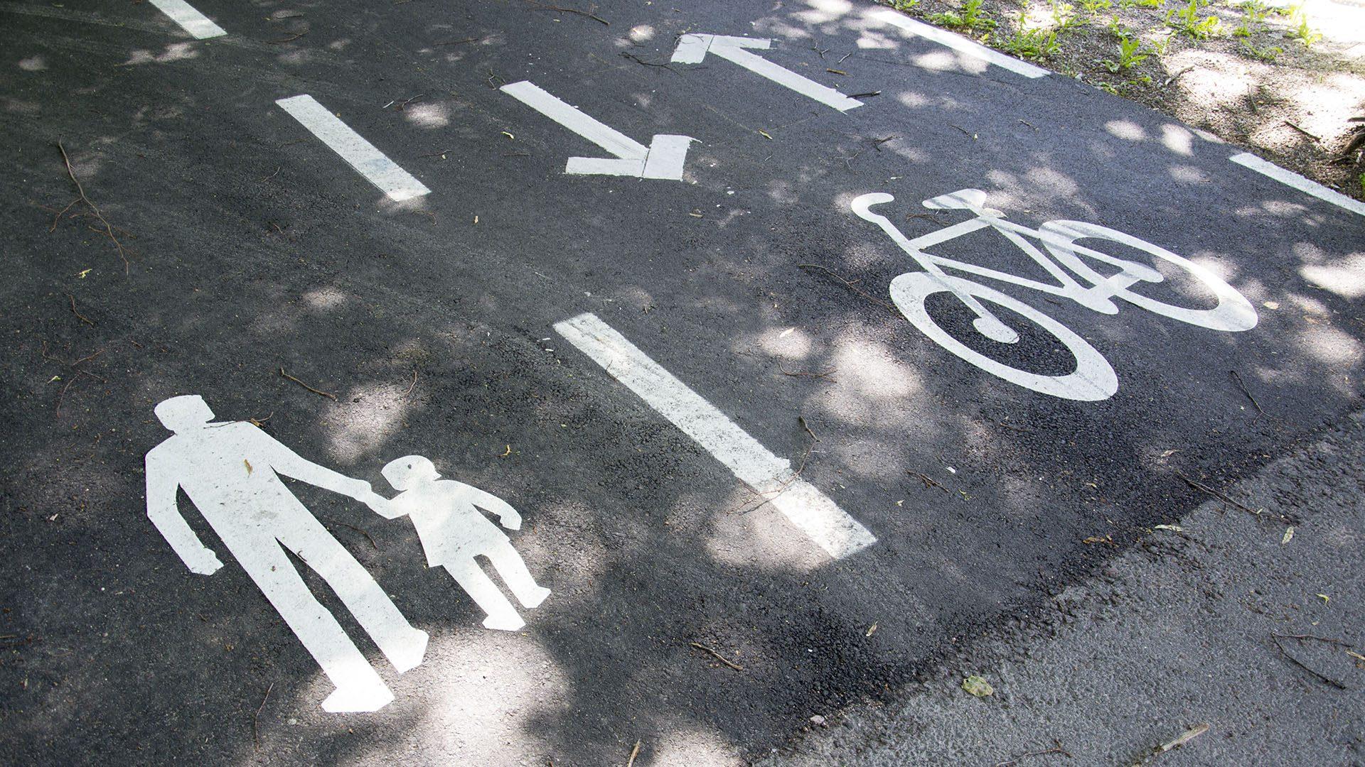 Gång- och cykelbana.