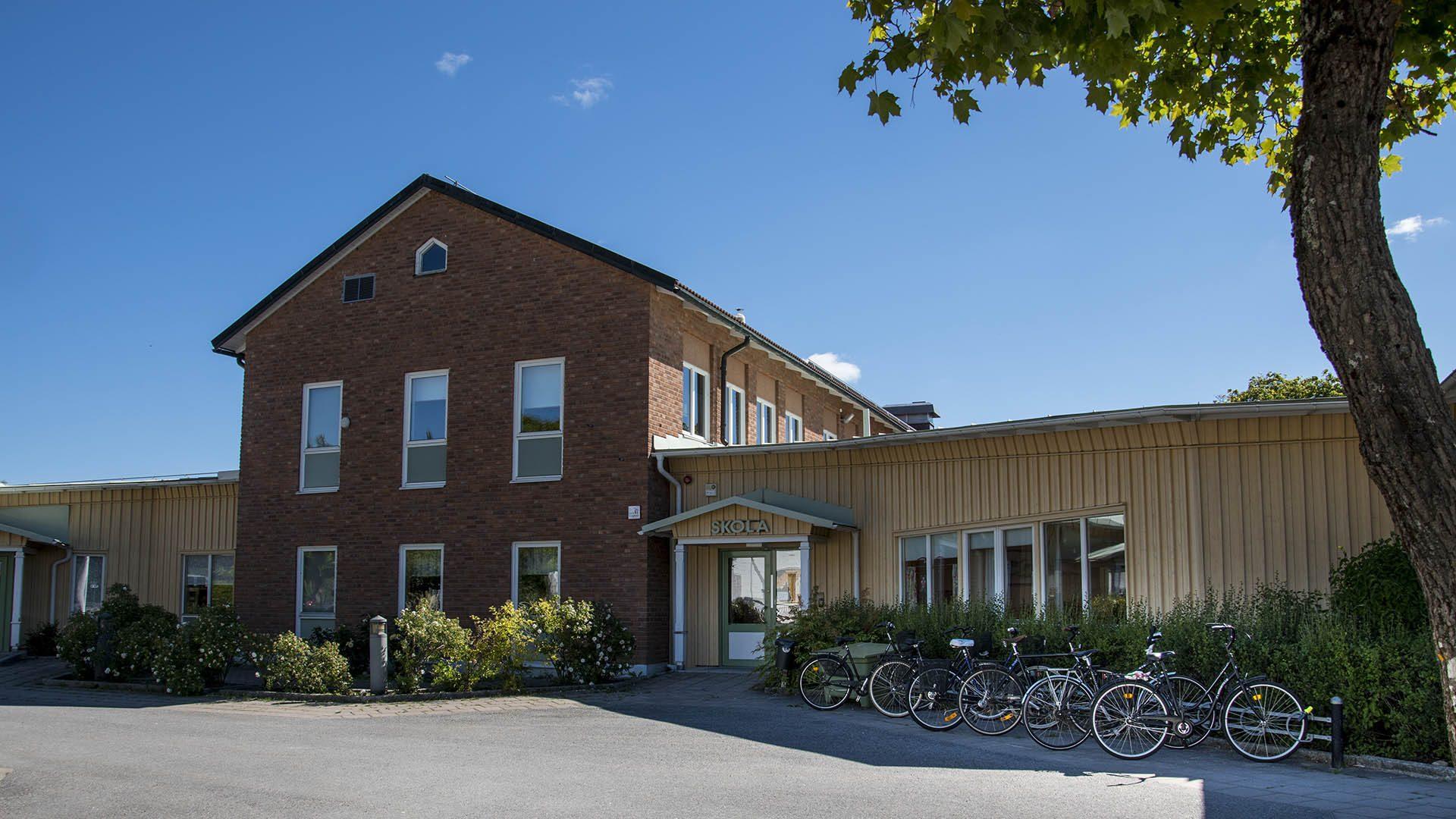 Exteriörbild på Hedesunda skola