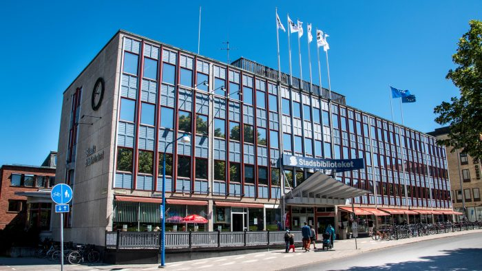 Stadsbiblioteket sett från Slottstorget