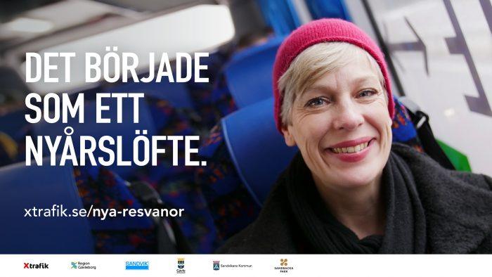 Kvinna åker buss