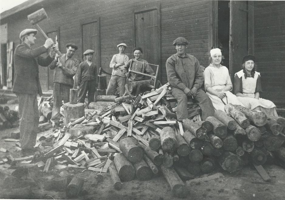 65 Kastet, på vedbacken år 1920 – liten