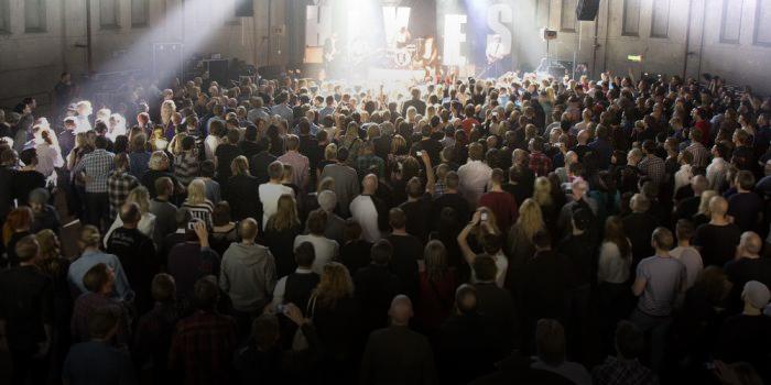 Publikhav vid en scen