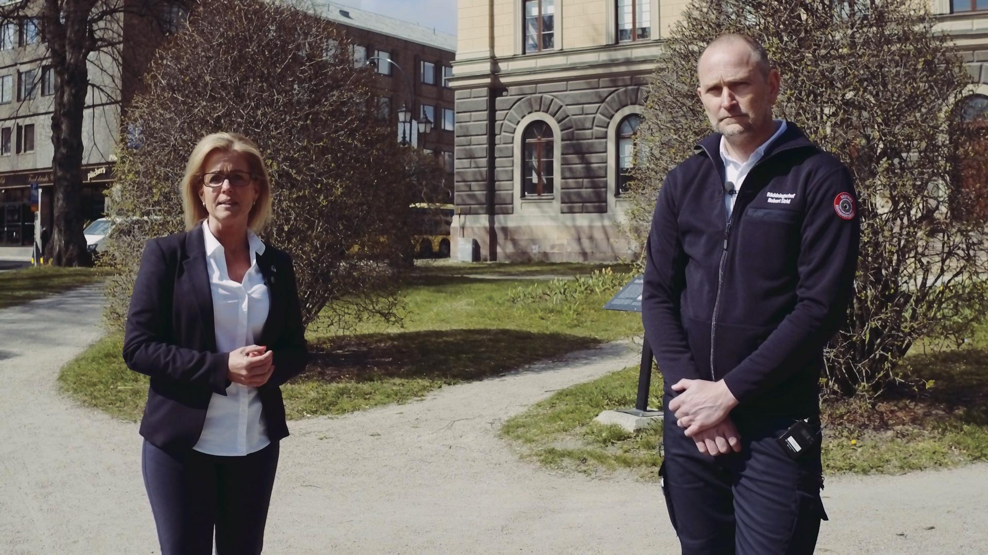 Åsa Wiklund Lång, kommunstyrelsens ordförande och Robert Strid, räddningschef på Gästrike räddningstjänst