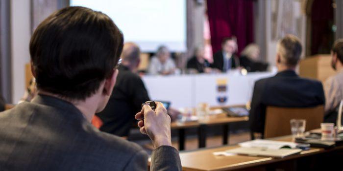 Politiker röstar i Kommunfullmäktige