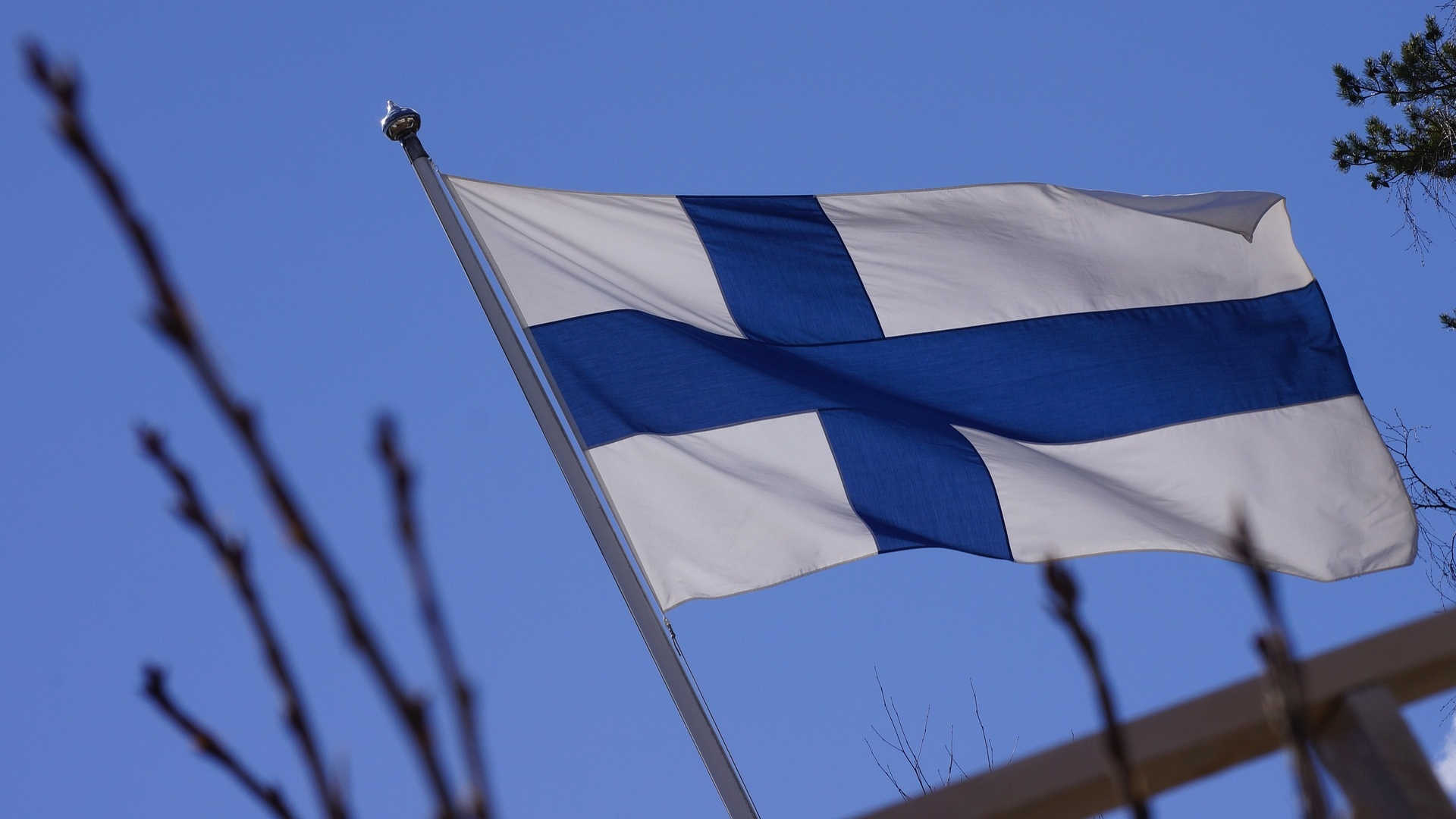 flag-of-finland-201175_1920