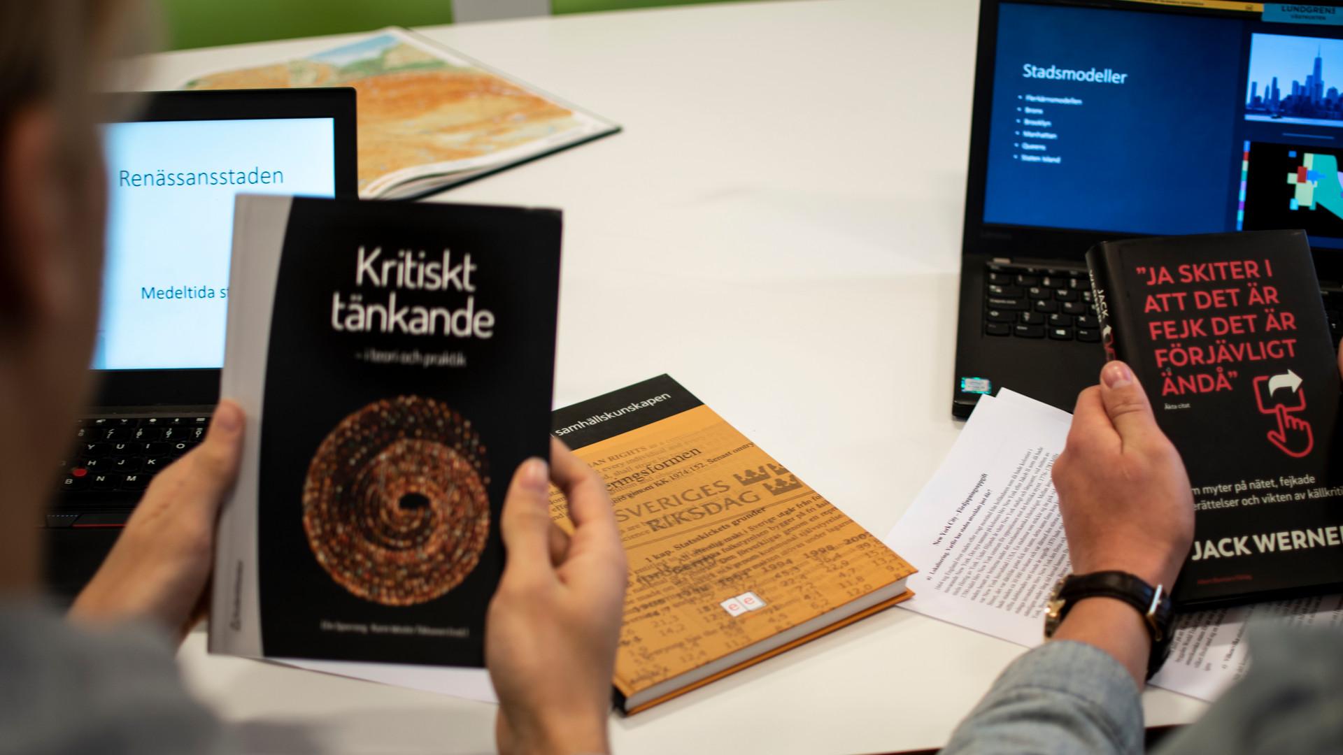 Elever på Vasaskolan läser om källkritik