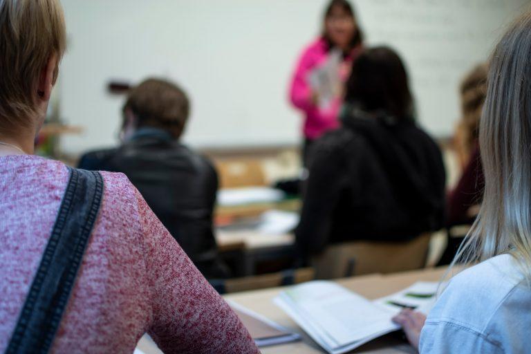 Elever på humanistiska programmet har lektion