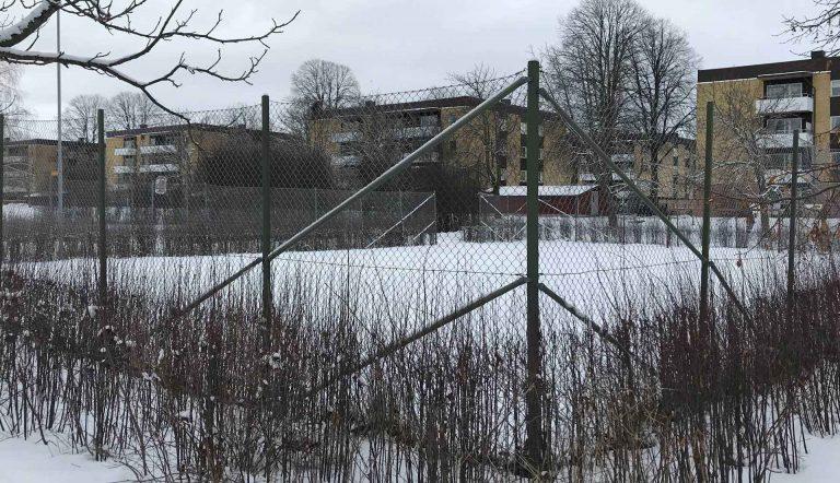 Fotbollsplan i Holmsunds lekpark.