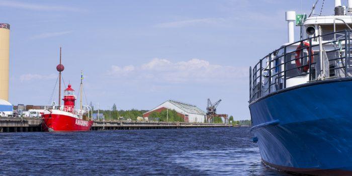 Limöbåten i Gävle hamn.