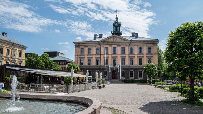 Rådhuset och Rådhustorget.