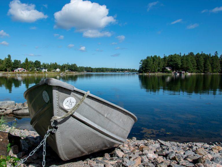 Båt i Saltharsfjärden.