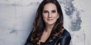 Pressbild författare Sofie Sarenbrant.
