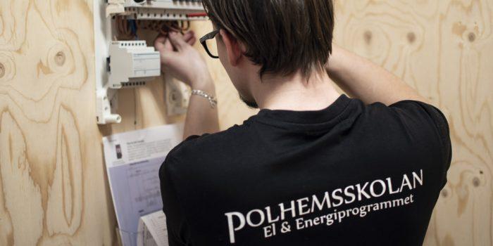 Polhemselev utför elinstallation