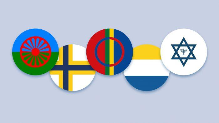 Romernas, sverigefinnarnas, samernas, tornedalingarnas och judarnas flaggor.